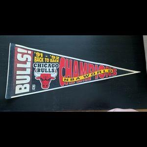 VINTAGE BULLS '91/'92 CHAMPIONSHIP PENNANT